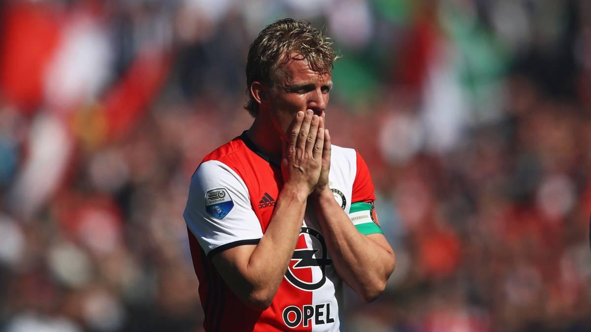 Delantero holandés Dirk Kuyt se retira del fútbol a los 36 años