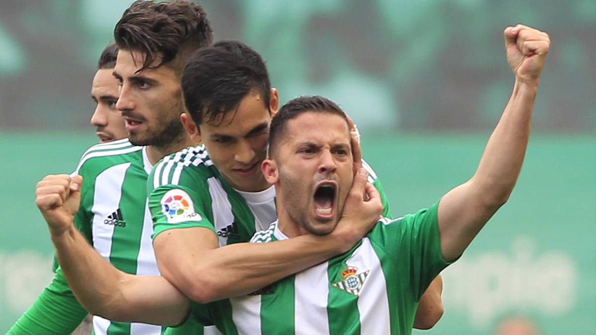 Betis Claim They Havent Received Any Offers For Riza Durmisi