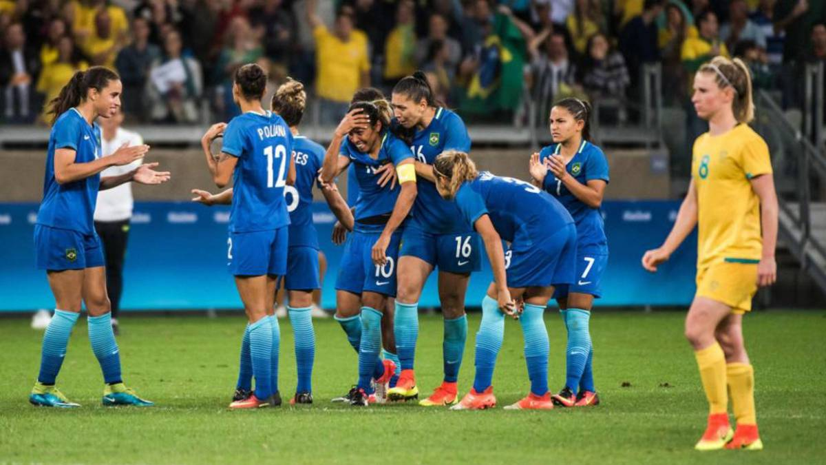 ef1ebb81e8482 Fútbol femenino Marta y Alves en la lista de Brasil que se medirá a España  - AS.com