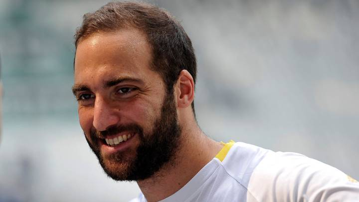 Juventus\'s Gonzalo Higuain attends the training session during the open media day.