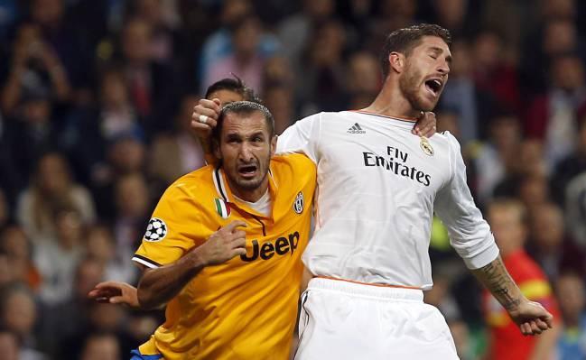 Sergio Ramos y Giorgio Chiellini, durante un partido de Champions League.