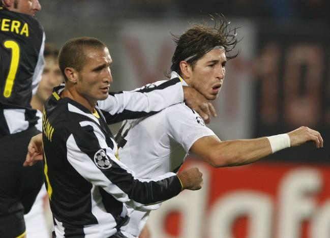 Los jugadores de Real Madrid y Juventus, Sergio Ramos y Giorgio Chiellini.