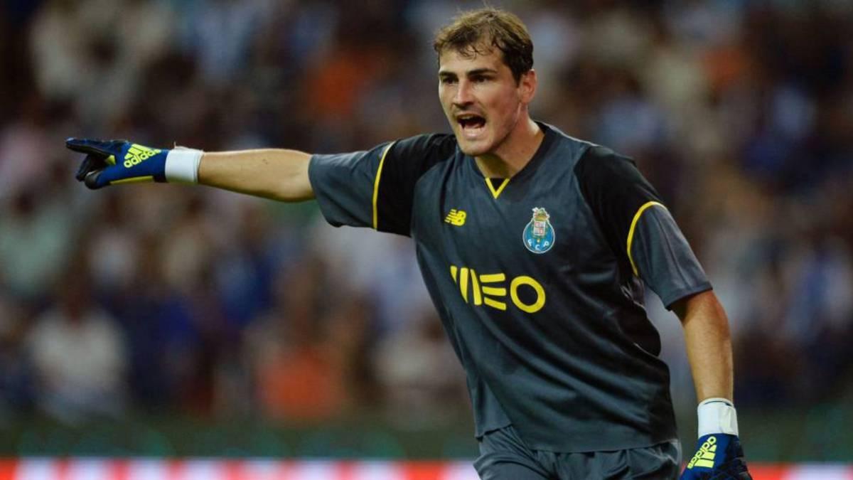 Casillas con el Oporto.