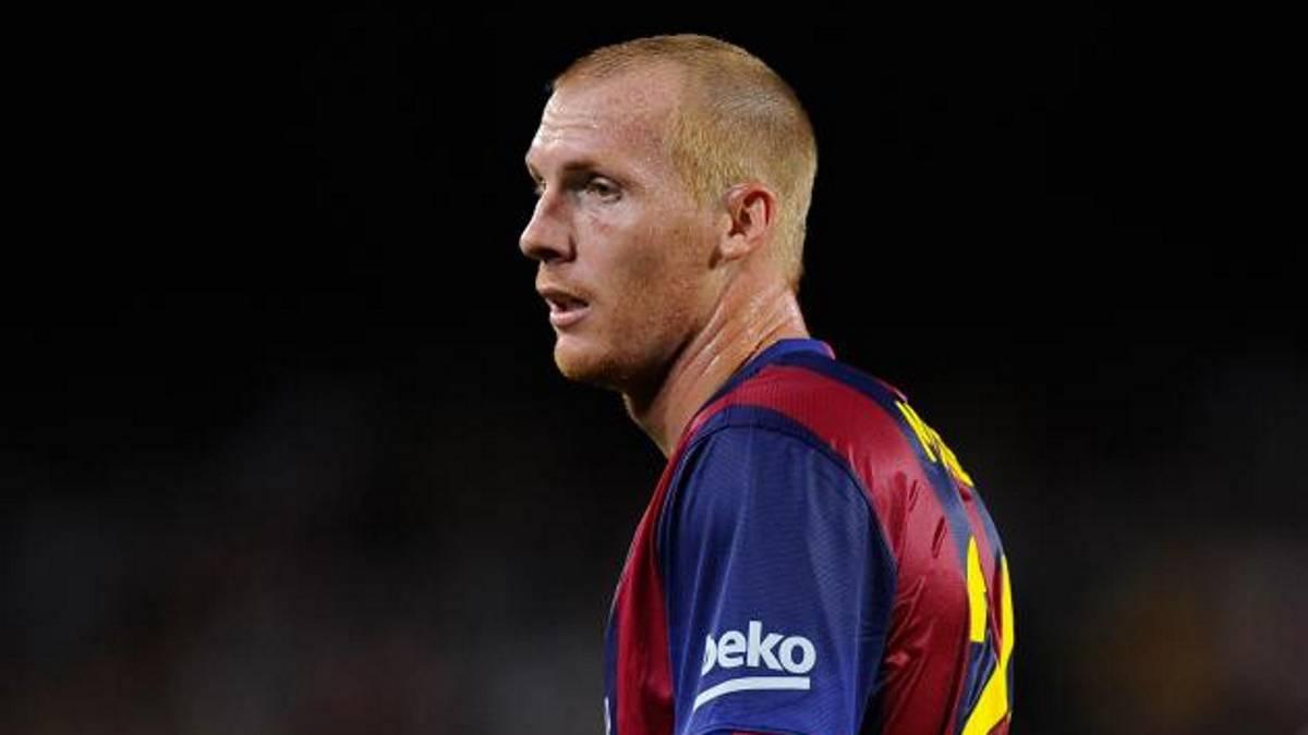 Mathieu sería el primero en abandonar Barcelona