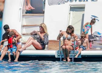 Messi, Luis Suárez and Cesc enjoy family holidays in the sun