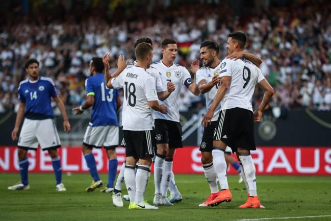 Alemania celebra el gol de sandro Wanger (2-0) el pásado sábado a San Marino.