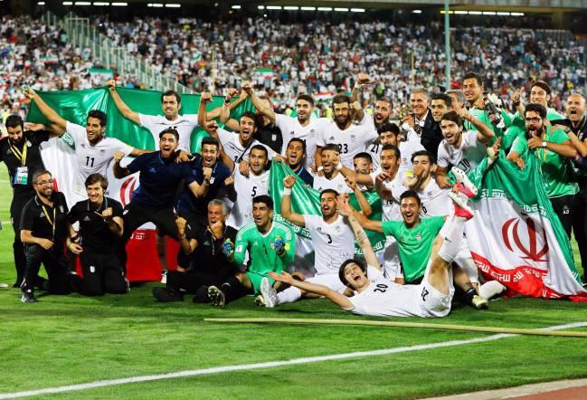 Los jugadores de la selección de Irán celebran su clasificación para el Mundial de Rusia 2018.