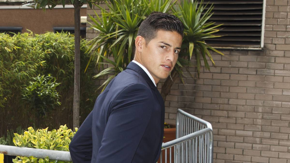 James Rodríguez has travelled to Colombia after the death of his grandfather.