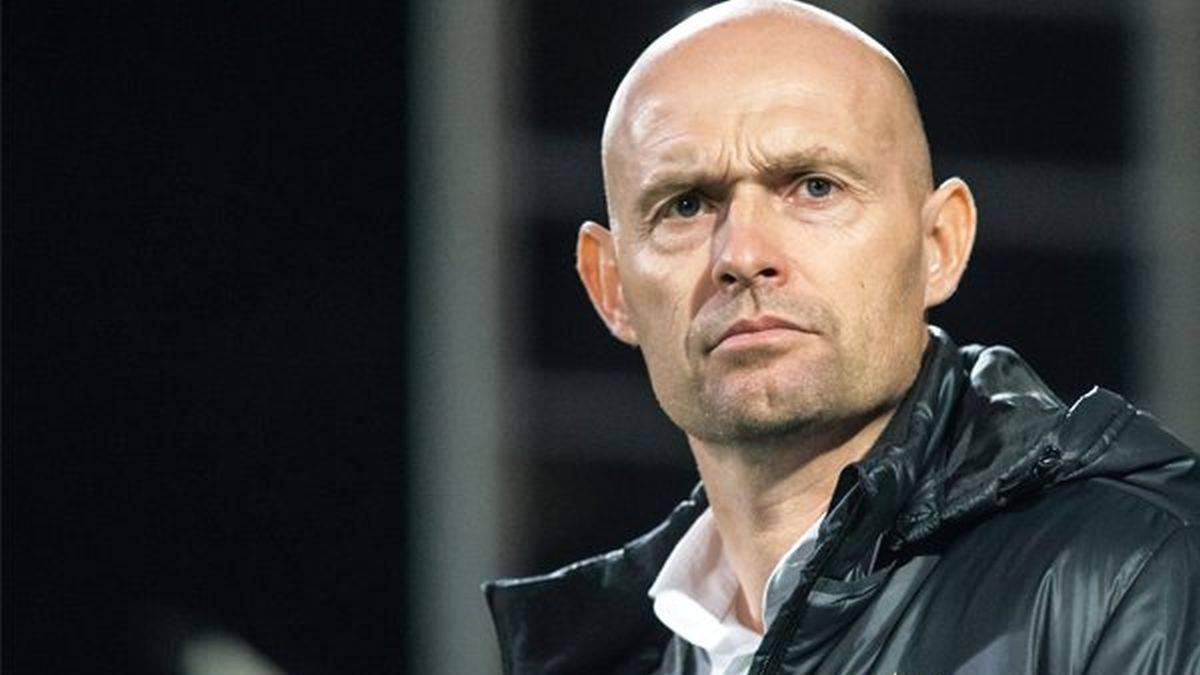 Marcel Keizer promovido a entrenador del Ajax — OFICIAL