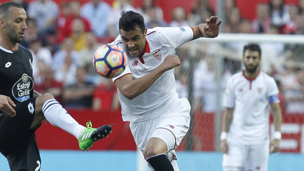 Leicester City reportedly beat West Brom to signing of Sevilla's Vicente Iborra