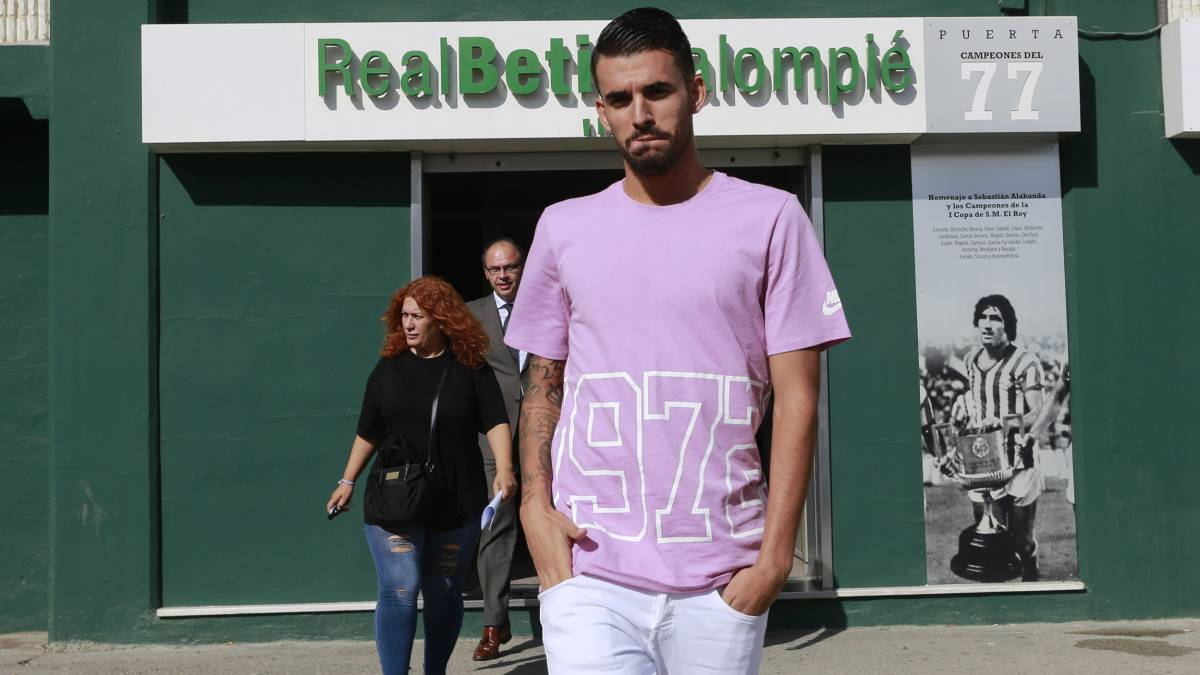 Betis hopeful for Ceballos stay
