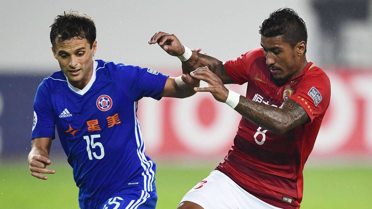 Paulinho reiterates desire to join Barcelona this summer