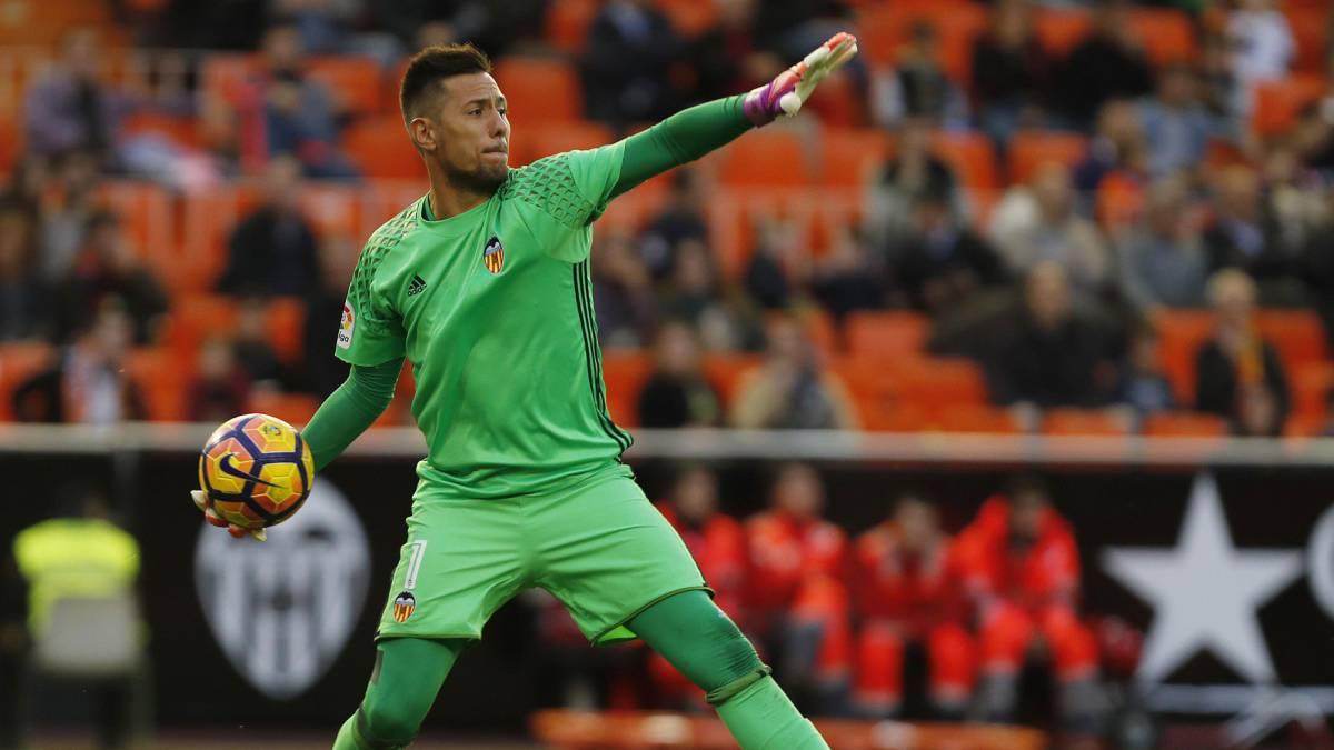 Valencia llega a acuerdo con Flamengo para traspasar a Diego Alves