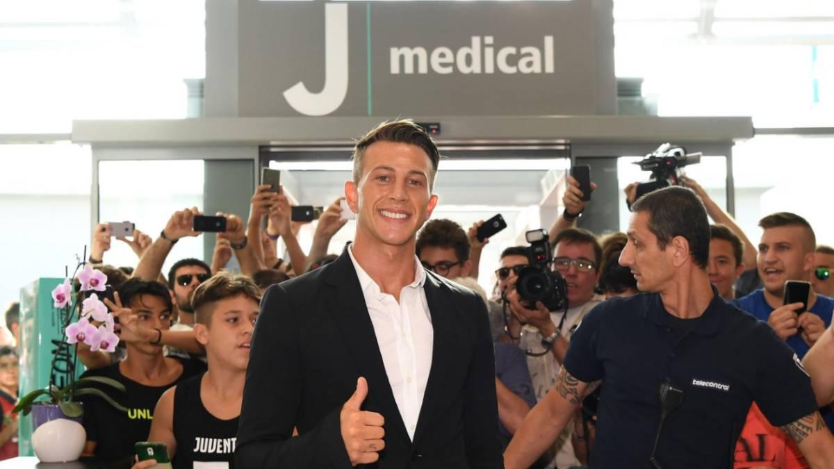 3eff0b4aa Federico Bernardeschi en su primer día como jugador de la Juventus.