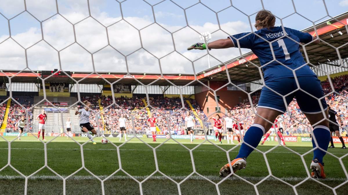 Holanda acaba con el dominio de Alemania y gana su primera Eurocopa