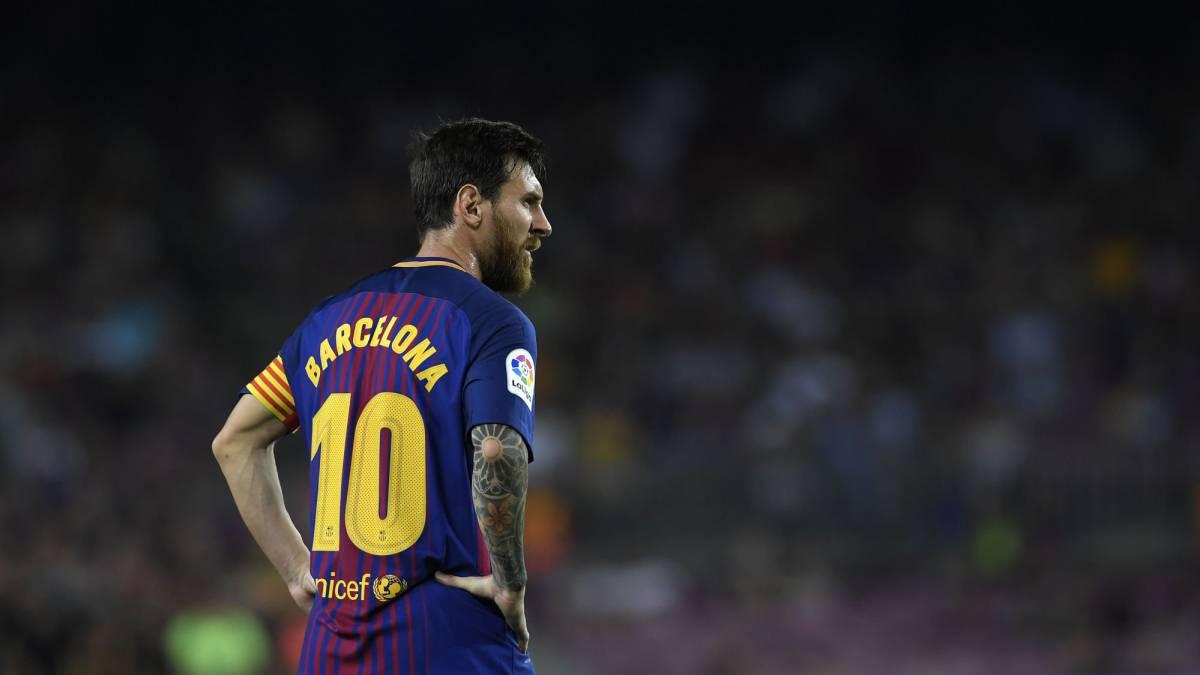 Estremecedor: el minuto de silencio en el Camp Nou