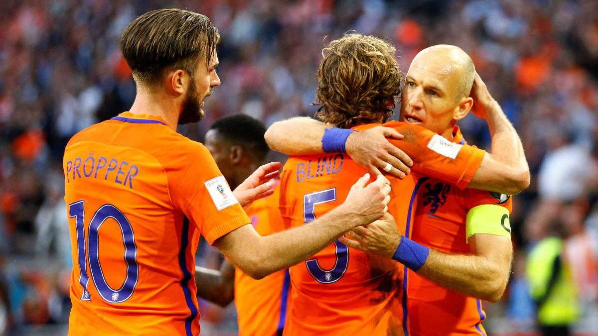 Holanda se aferra a sus ilusiones de ir al Mundial