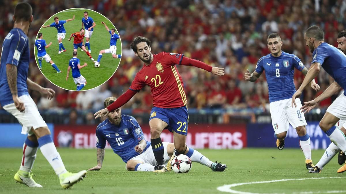 España va con 'falso 9'; Italia activa el catenaccio