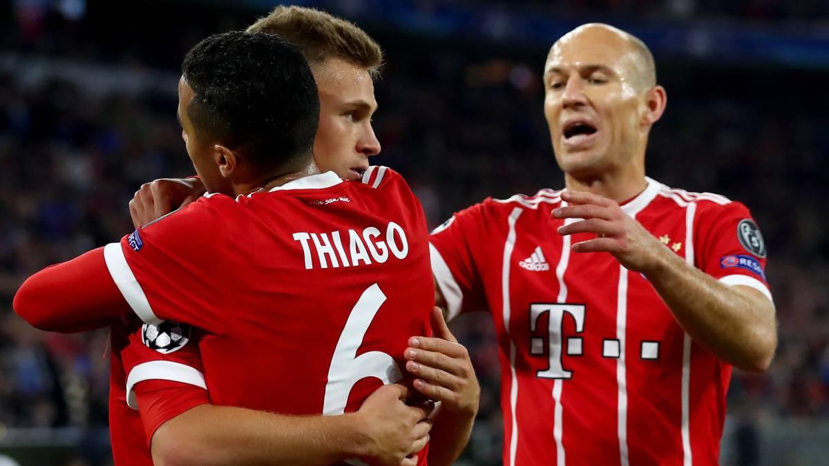 Champions  El Bayern gana ante un rival que jugó con 10 por 80 ... 0e62ac8313a6e