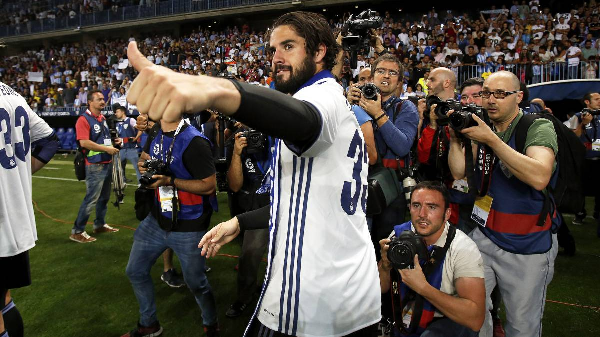 Isco targets more silverware after extending Real Madrid stay