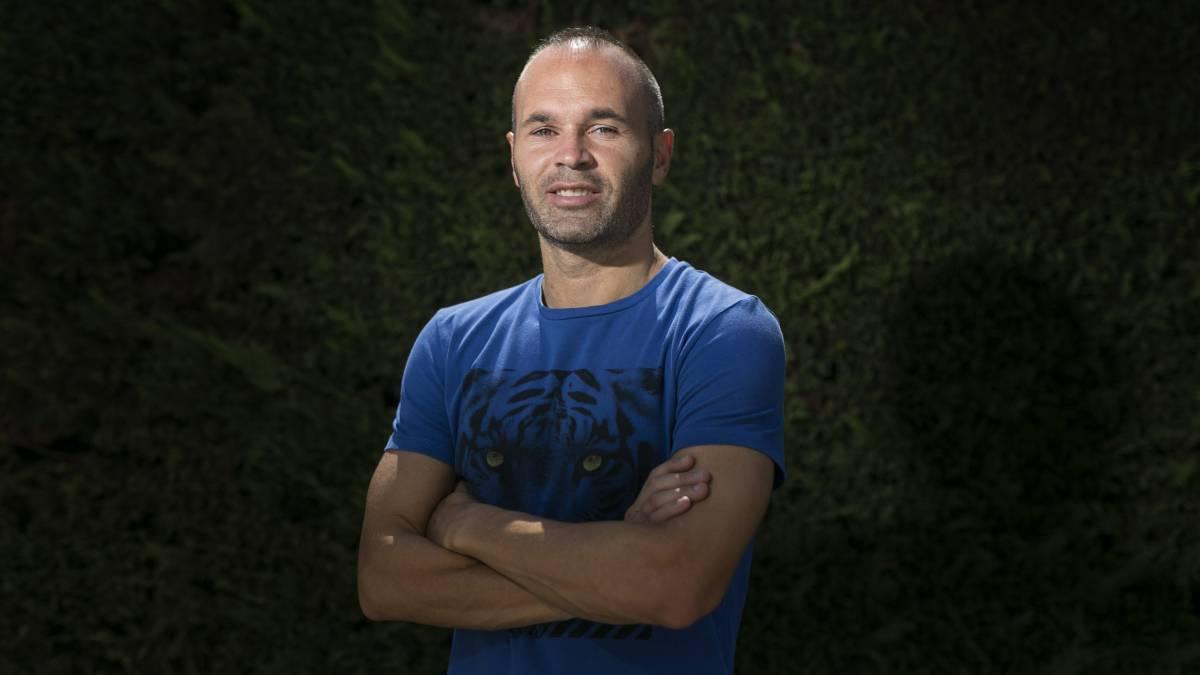 Terminó la novela, Iniesta renovó con el 'Barca' para toda la vida