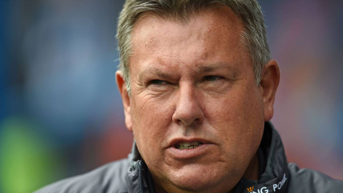 Leicester despide a entrenador Craig Shakespeare