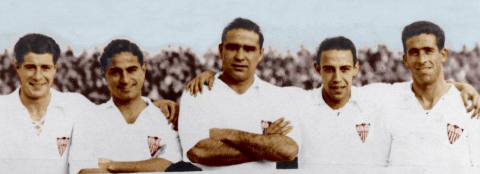 """los stuka"""" del Sevilla, la delantera formada por López, Torrontegui, Campanal, Raimundo y Berrocal."""