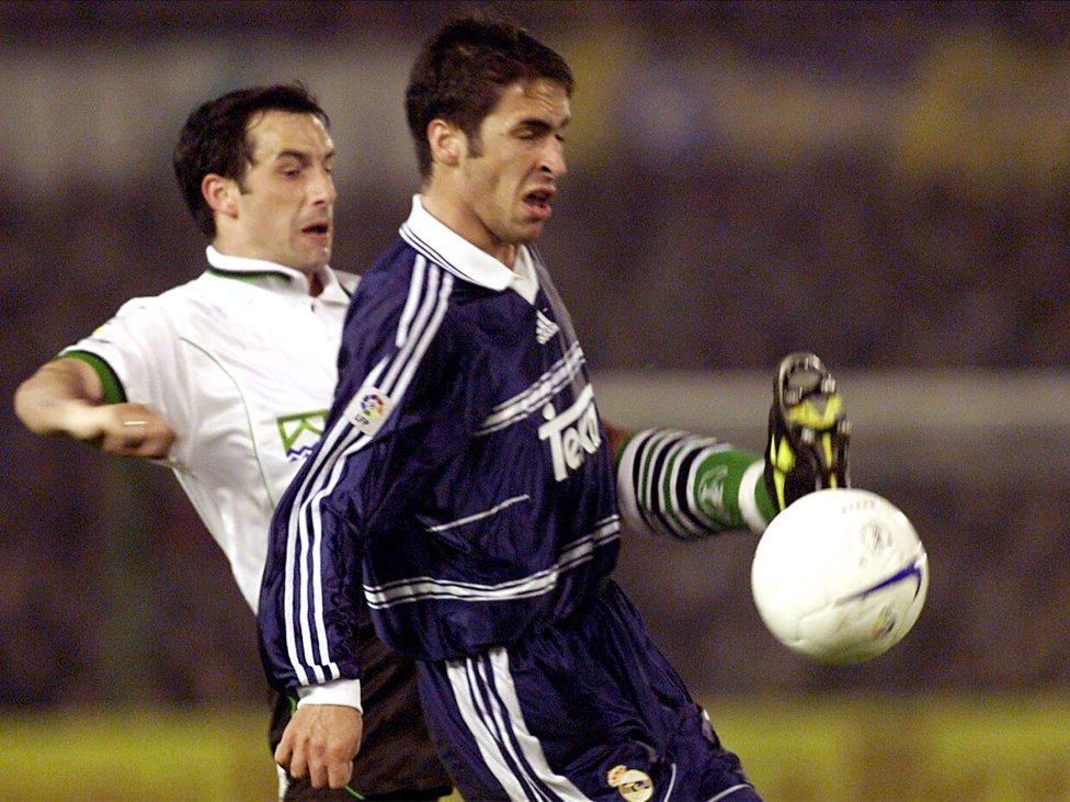 Camiseta fea Real Madrid. Segunda equipación. Temporada 98-99