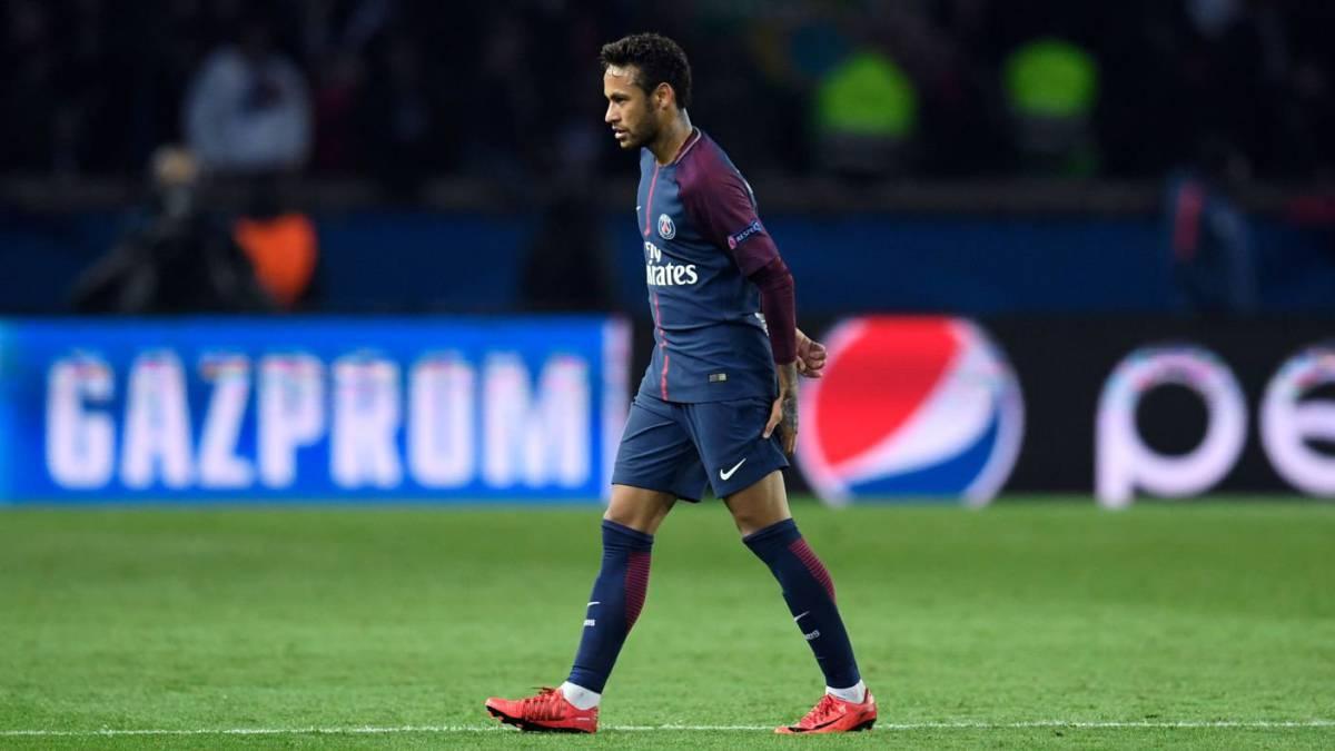 Cavani supera los 100 goles con el PSG en la Ligue 1