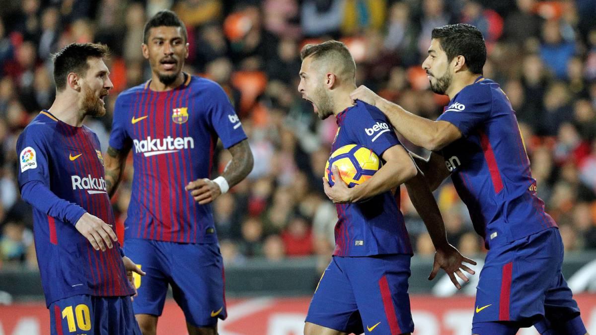 Valencia y Barcelona igualan y continúan imbatibles en La Liga