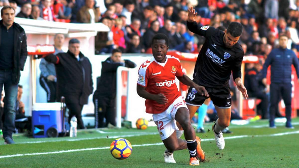 El Huesca amplia la ventaja tras el empate del Cadiz
