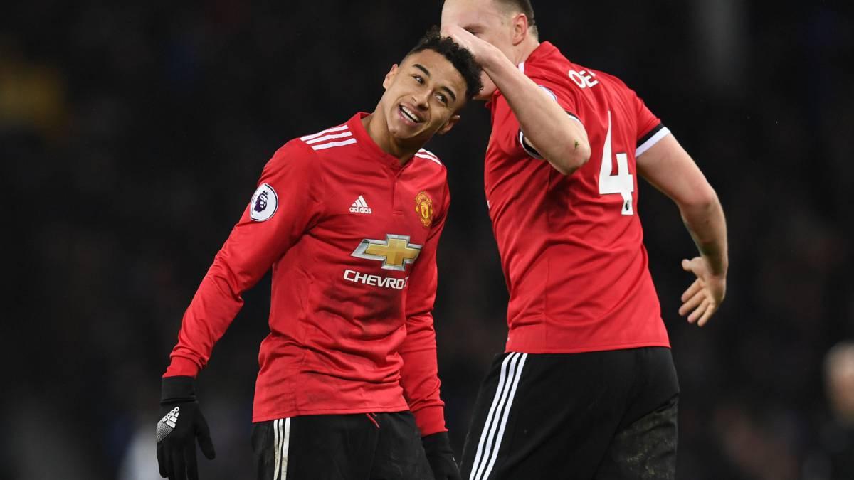 Man Utd inicia el 2018 con victoria que lo regresa al subliderato