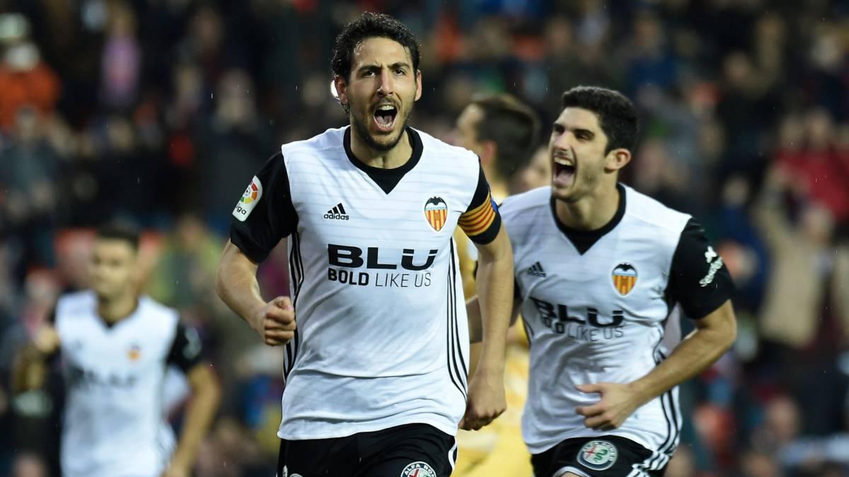 Luciano Vietto se despachó con tres goles en Valencia