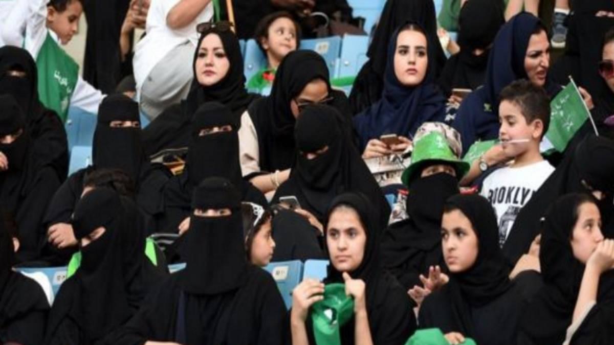 La conservadora monarquía saudita abre el mundo del fútbol a la mujer