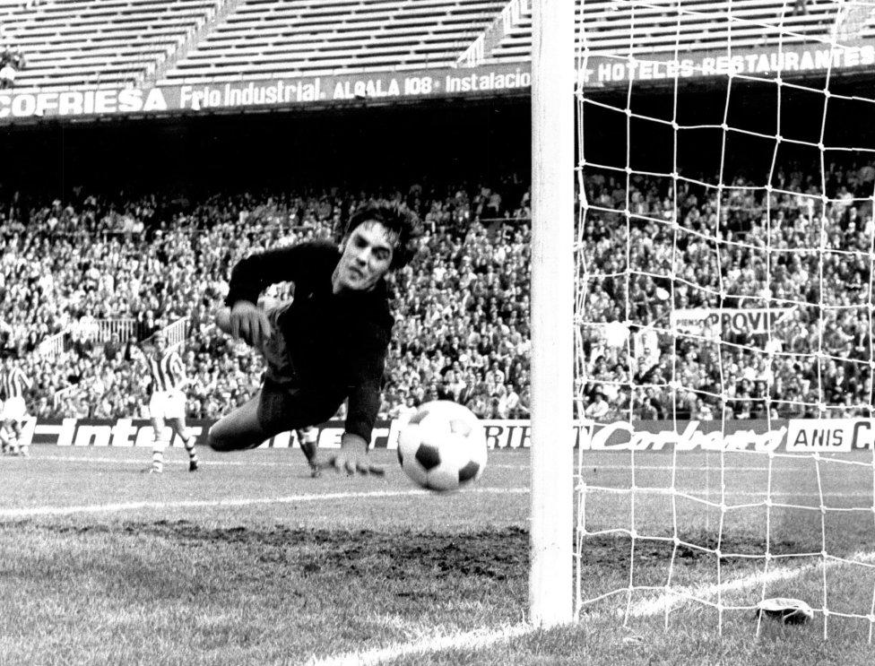 Artola. Jugó con la Real Sociedad de 1971 a 1975