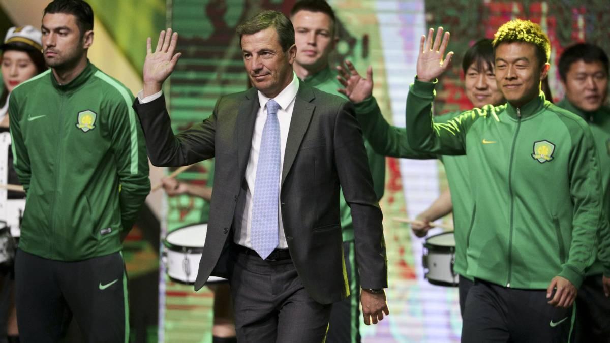 Míchel González deja al Málaga tras última derrota y ya tiene sucesor