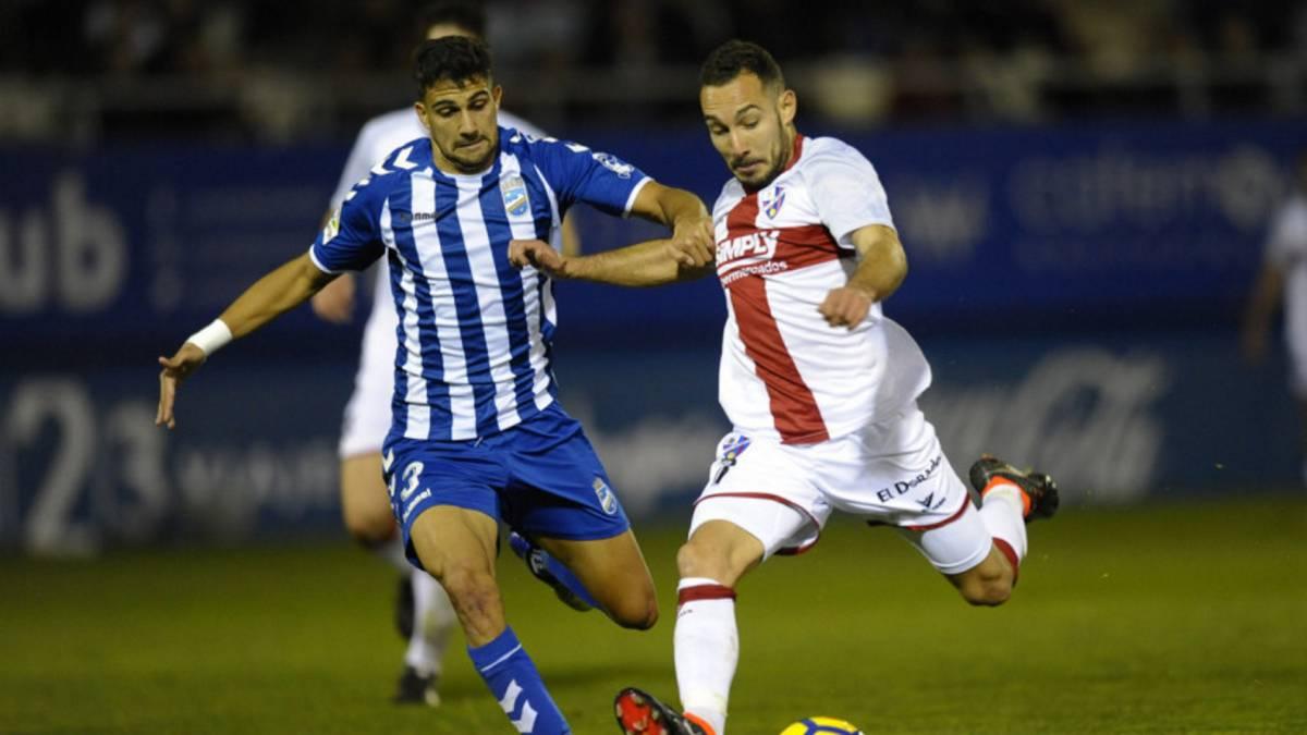 El Huesca continúa imparqable, pincha el Cádiz y Real Oviedo, Lugo, Osasuna y Granada acechan la segunda plaza.