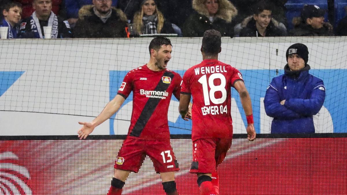 Lucas Alario facturó por duplicado en la goleada de Bayer Leverkusen