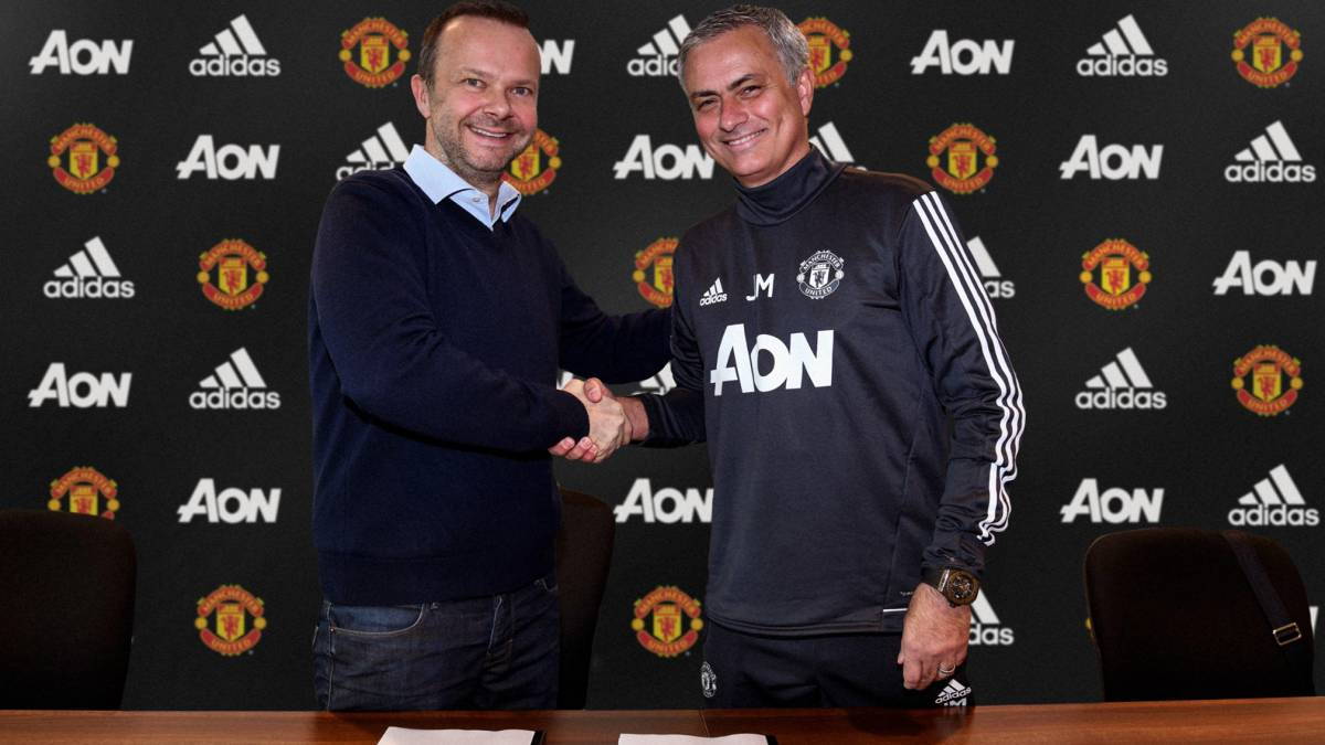 Mourinho extends contract at Man United till 2020