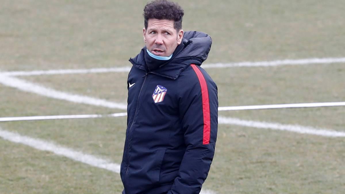 Ángel para ganar: Atlético derrotó a Valencia y se acercó a Barcelona