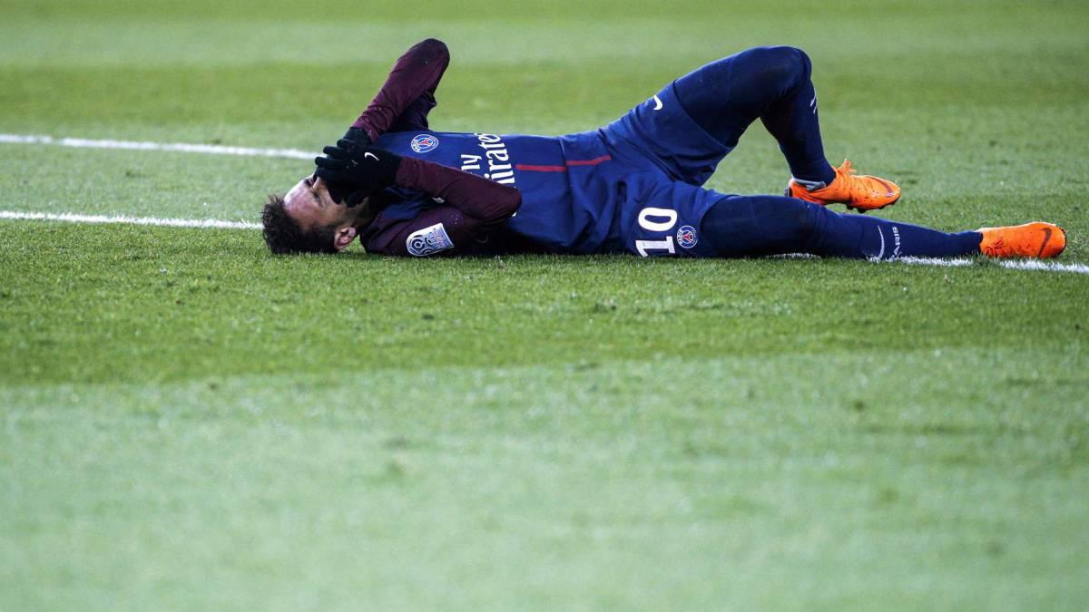 Neymar Decides To Undergo Surgery