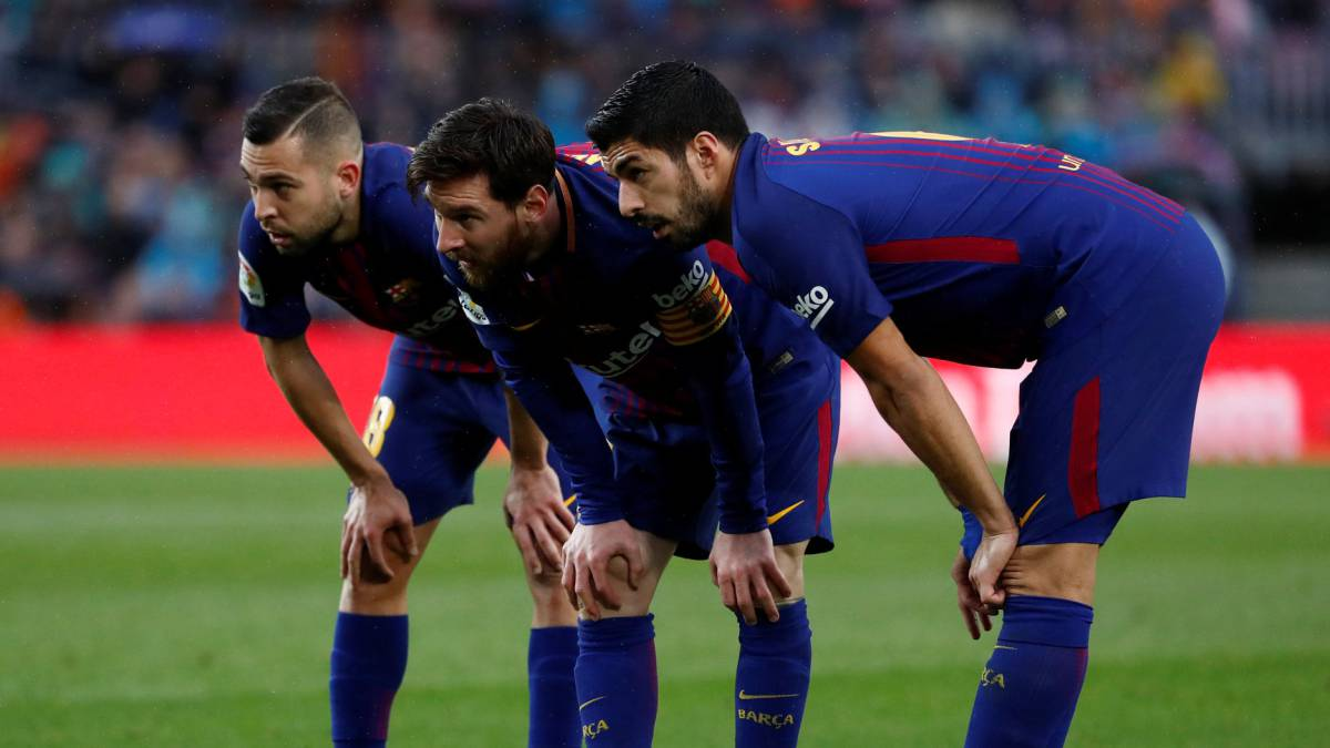 Lionel Messi scores 600th goal as Barcelona defeat Atletico Madrid