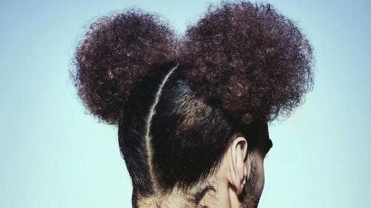 Fellaini Changes Hairstyle With A Look Of Mickey Mouse About It As