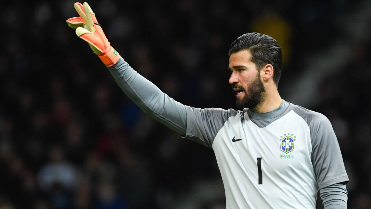 591c2236c Roma set Alisson price tag in line with De Gea and Courtois... - AS.com