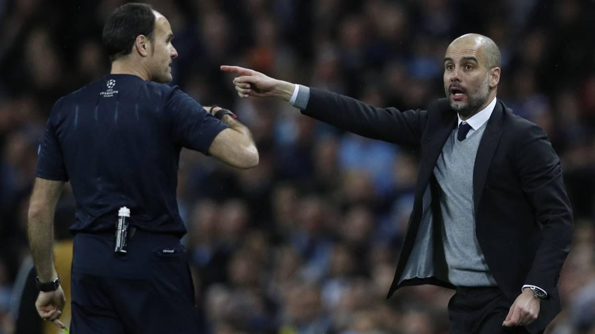 Kết quả hình ảnh cho guardiola red card liverpool Antonio Mateu