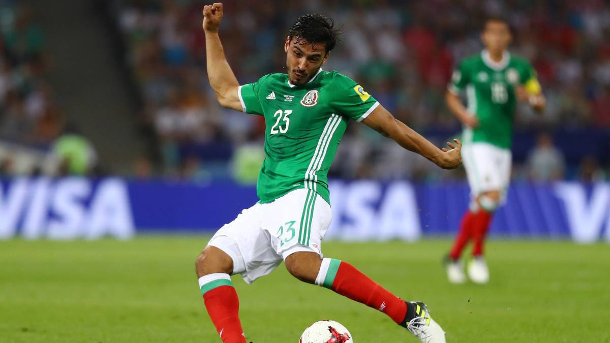 Alanís, con la camiseta de México.