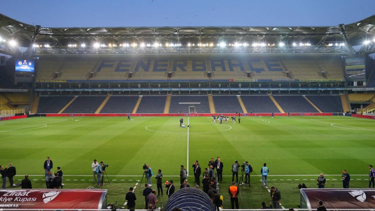 El Besiktas no se presentó a la reanudación del derbi de Copa - AS.com