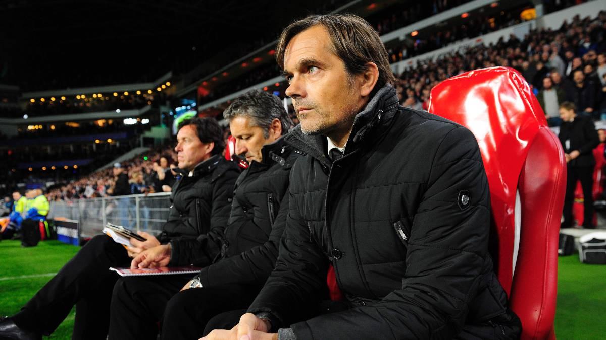 Hirving 'Chucky' Lozano y PSV tienen nuevo técnico