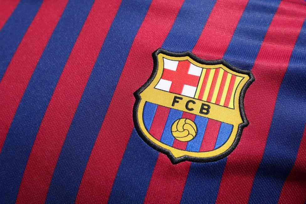 حفل تقديم القميص الجديد لنادي برشلونة لموسم 2018-2019 1526726915_488256_1526726975_album_grande