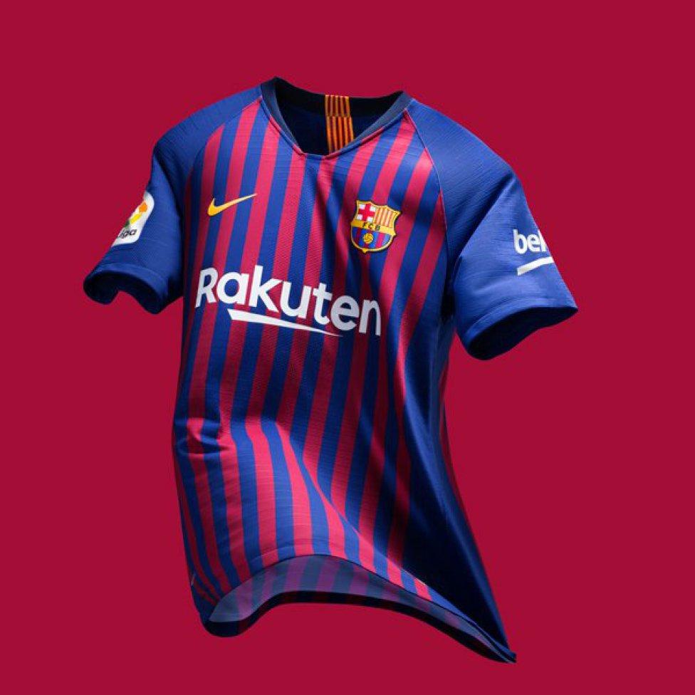 حفل تقديم القميص الجديد لنادي برشلونة لموسم 2018-2019 1526726915_488256_1526727140_album_grande